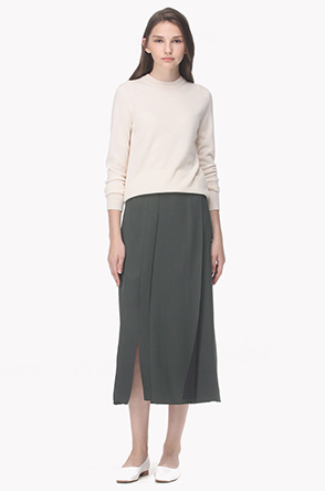 Pleated slit line skirt