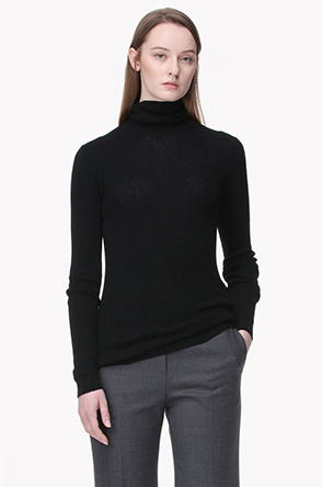 Cashmere turtleneck knit sweater