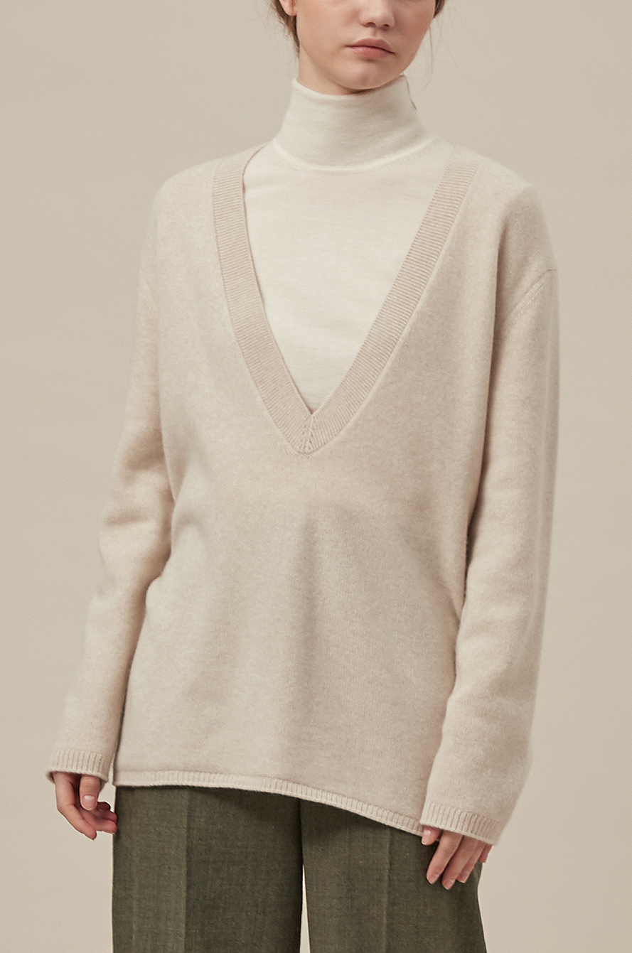 Japan Deep V-neck Relaxed Knit Cardigan!
