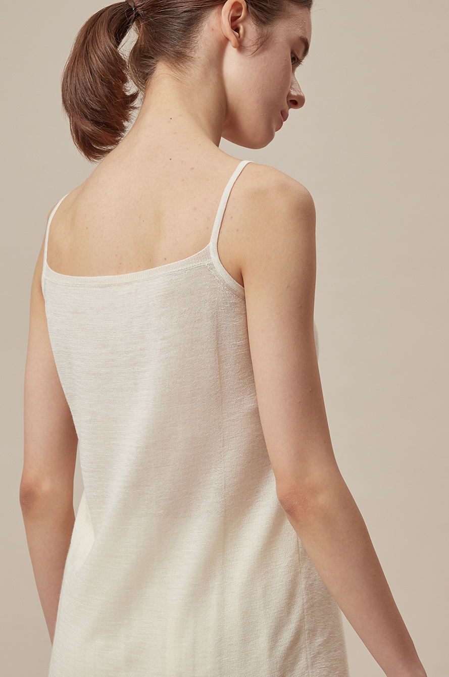 Cashmere sleeveless knit top