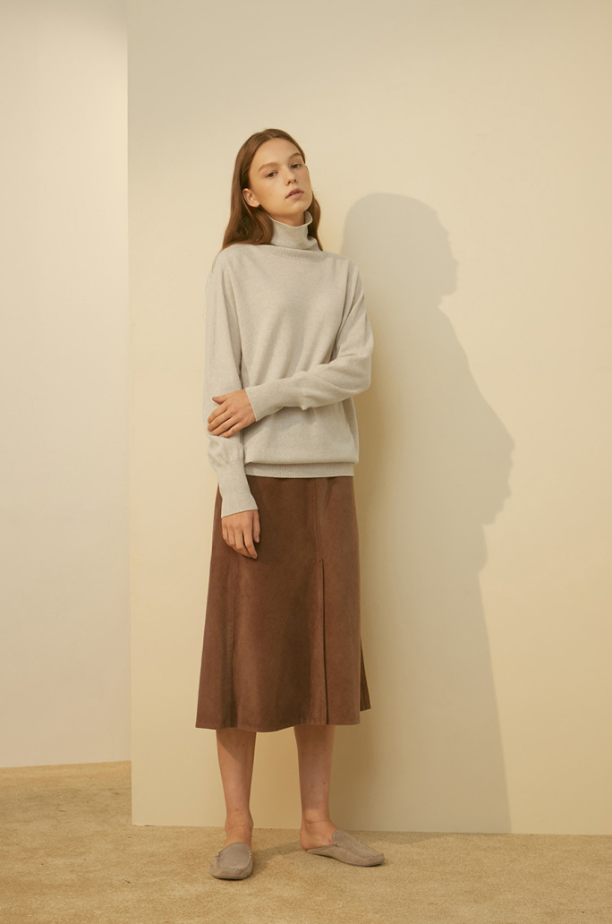 Whole garment high neck knit top