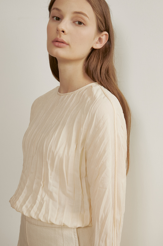 Dolman sleeve pleats top