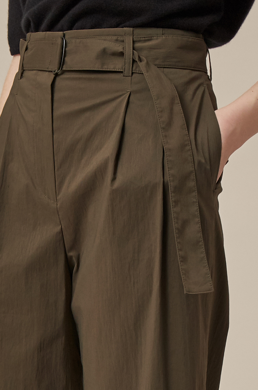 Two tuck belted pants