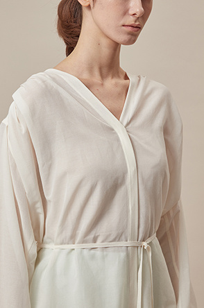 Collarless silk blend shirt