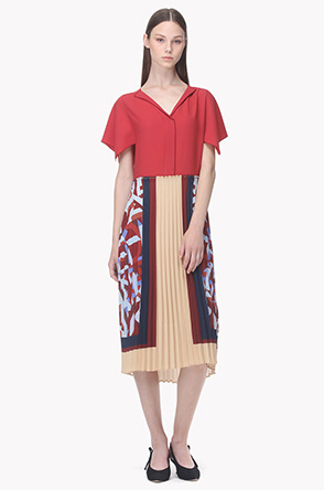 Pleats illustration front placket dress