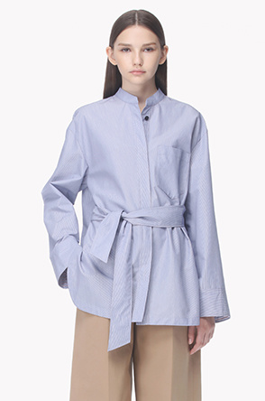 Strap belted stand collar shirt