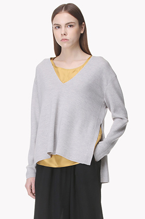 Deep V neck wool knit top