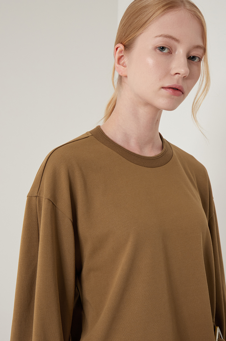 Unbalance buckle t-shirt