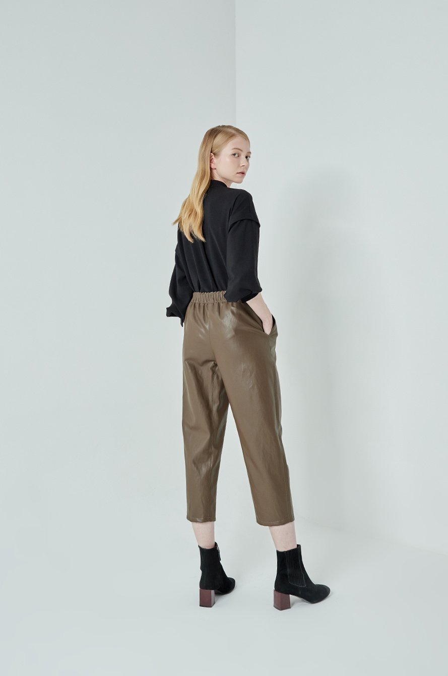 Leather crop pants