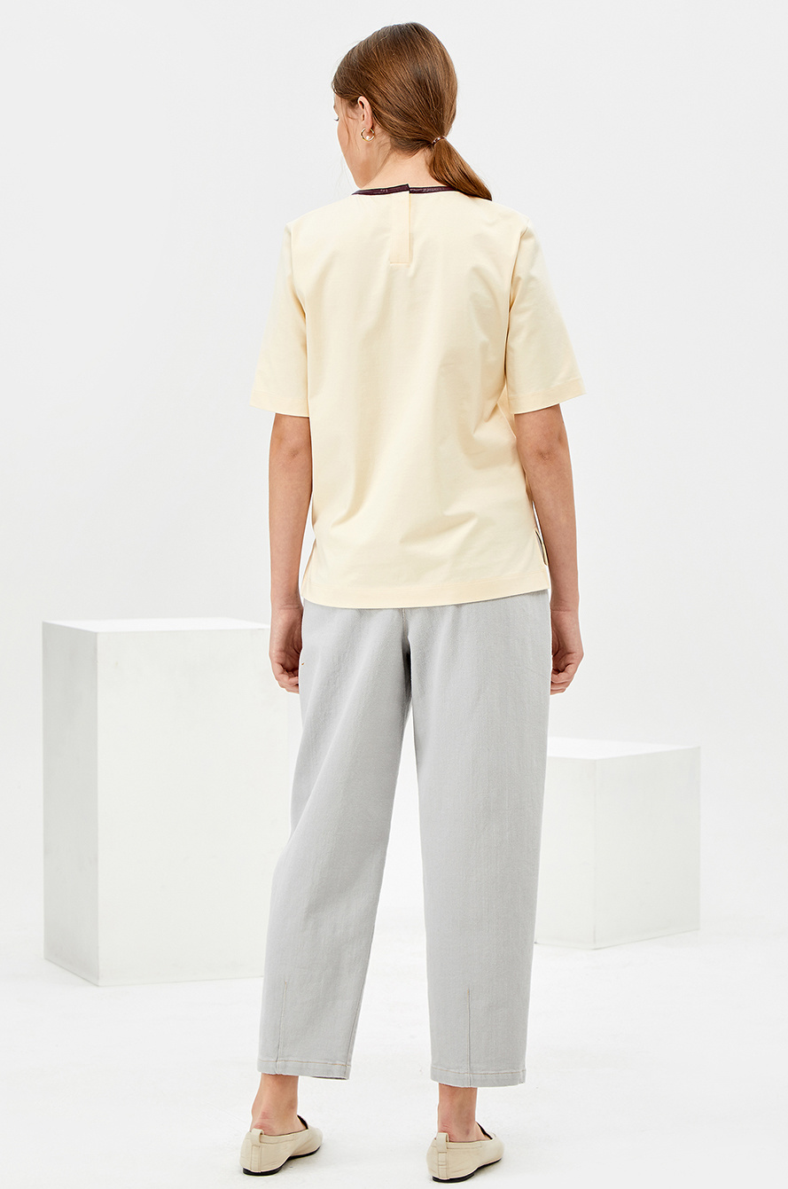 Leather point neck t-shirt