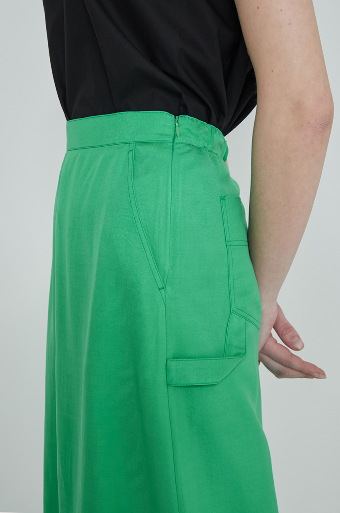 Patch pocket banding skirt