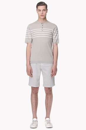 Side buttoned textured short pants