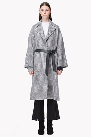 Lambswool frayed trimming slit coat