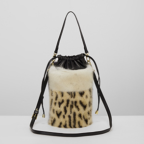 [ELCOM] Fur block bucket bag