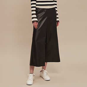 Wide leather crop pants
