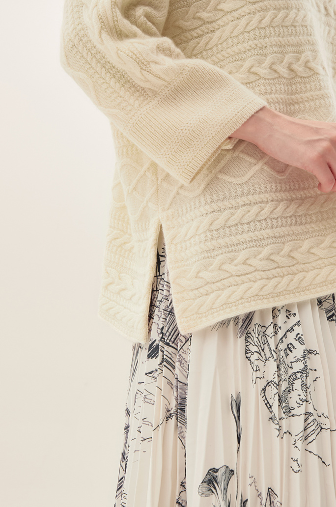 [CLASSY LUX] Cashmere Cable Knit Sweater