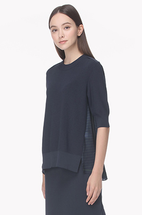 Back pleated knit top