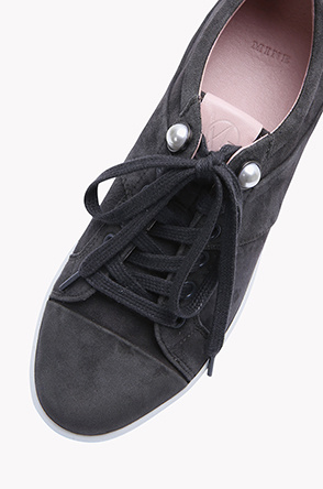 Suede lambskin thin sole sneakers