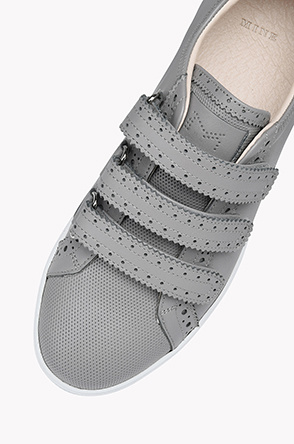 Pinking cut out velcro sneakers