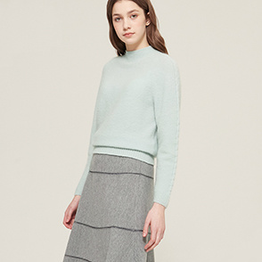 Cable line knit sweater