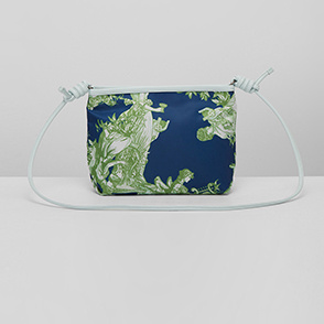 Print shoulder bag