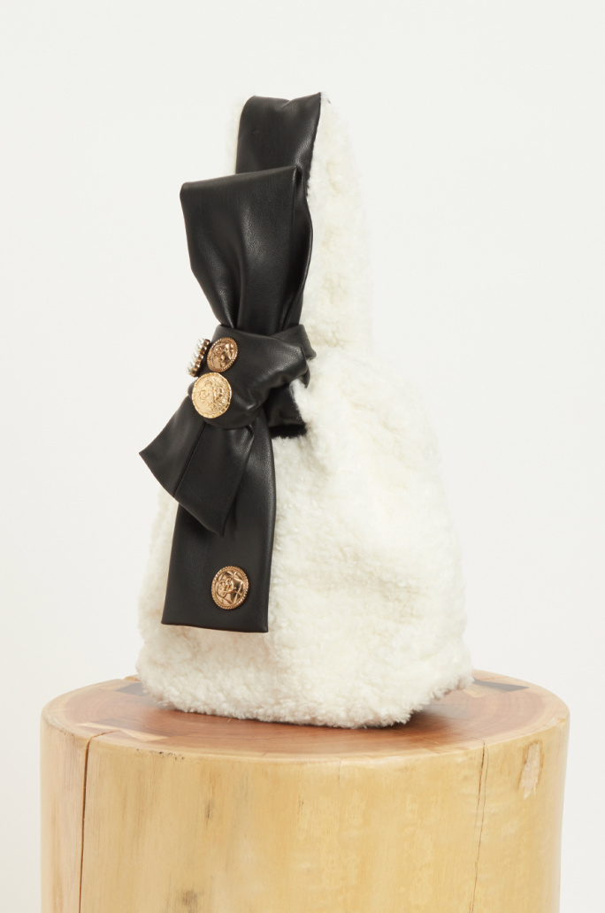Fur knot handle bag
