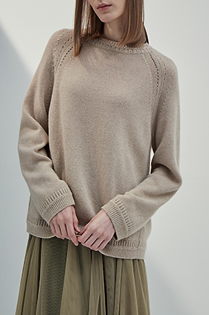 Cashmere raglan knit sweater