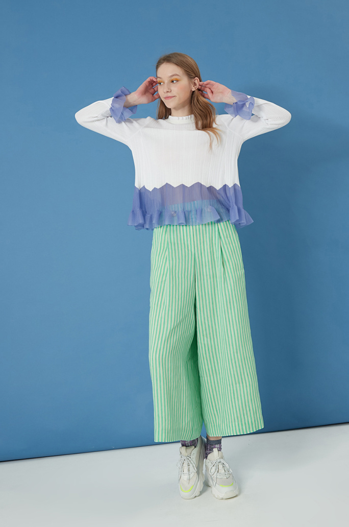 Frill color block knit top