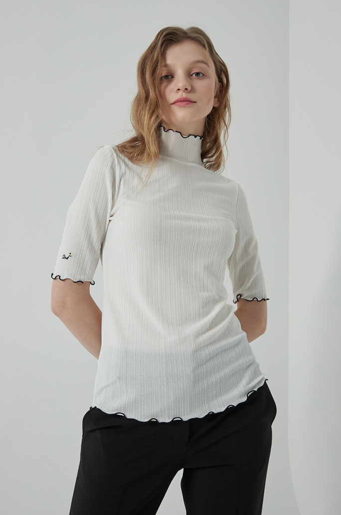 Mock neck embroidered t-shirt