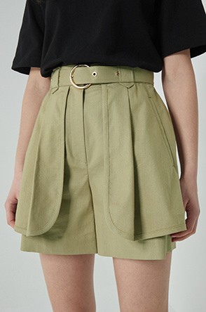 Flap belted shorts