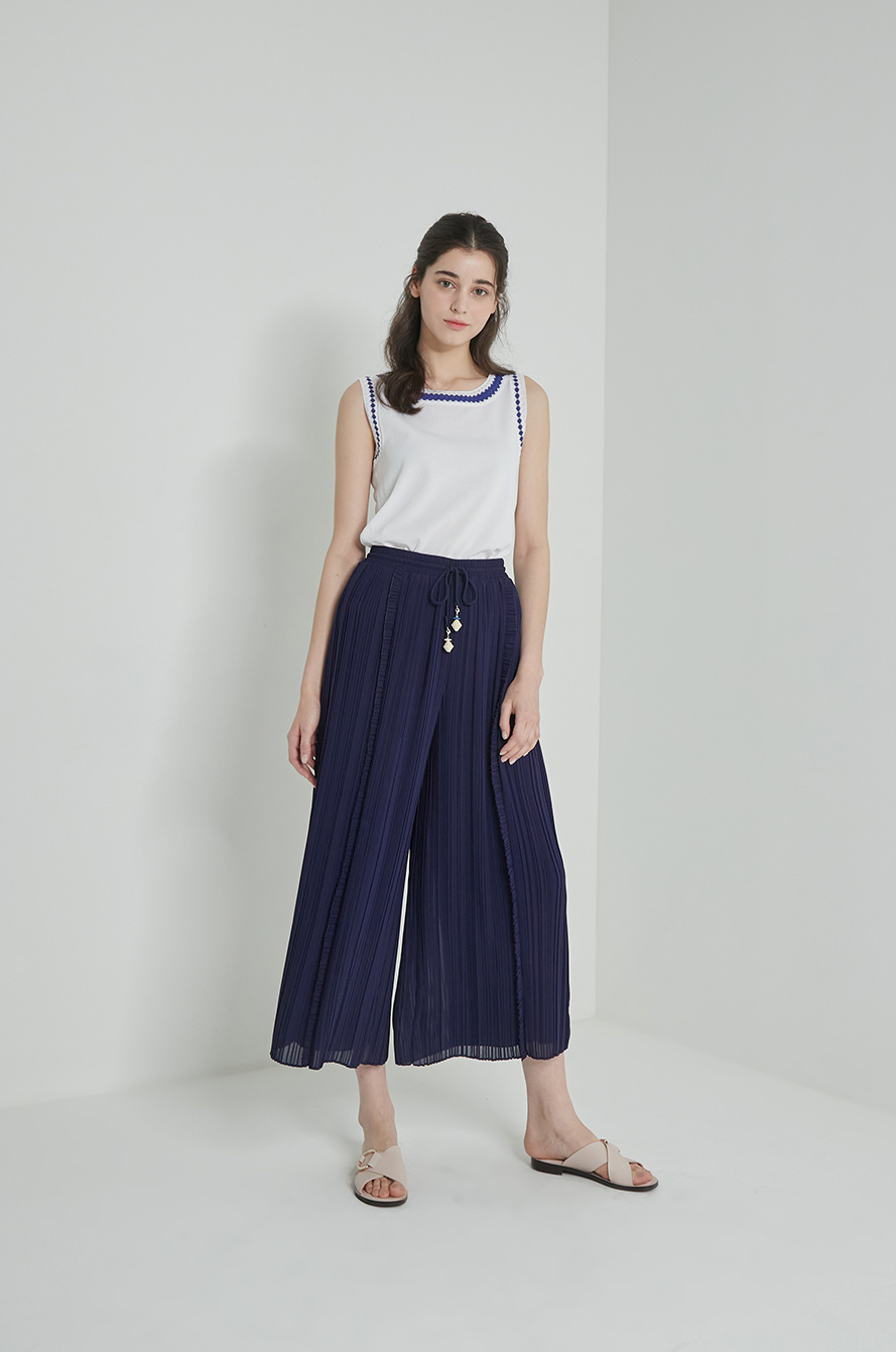 Pleats wide pants