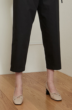 embroidered strap pants