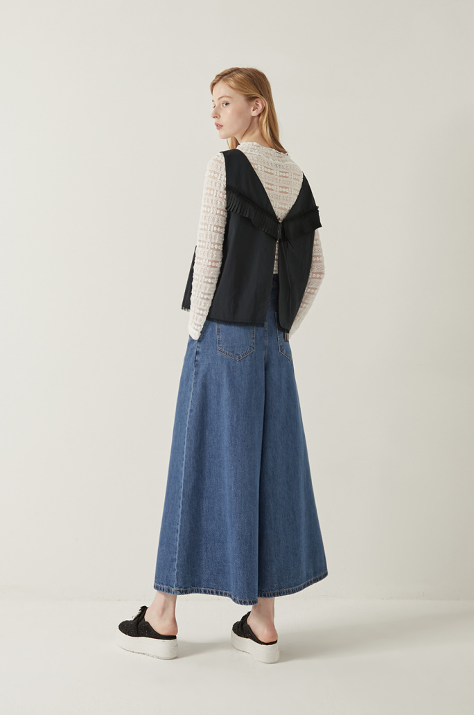 pleated block flared top