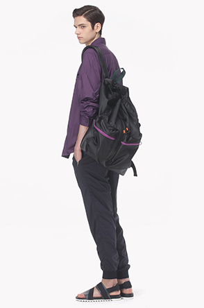 Zipper split bucket backpack