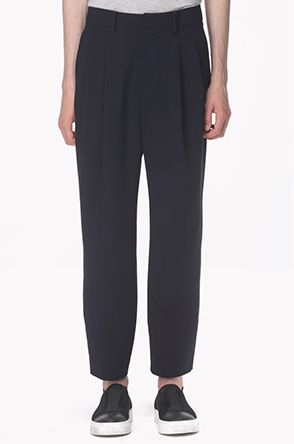 Two tuck stretch pants