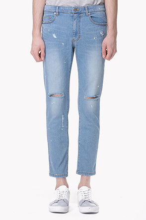 Painting destroyed stretch jeans