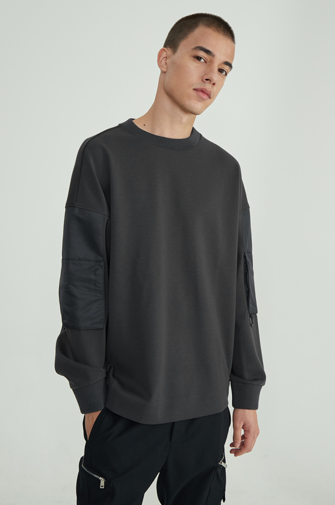Sleeve pocket t-shirt