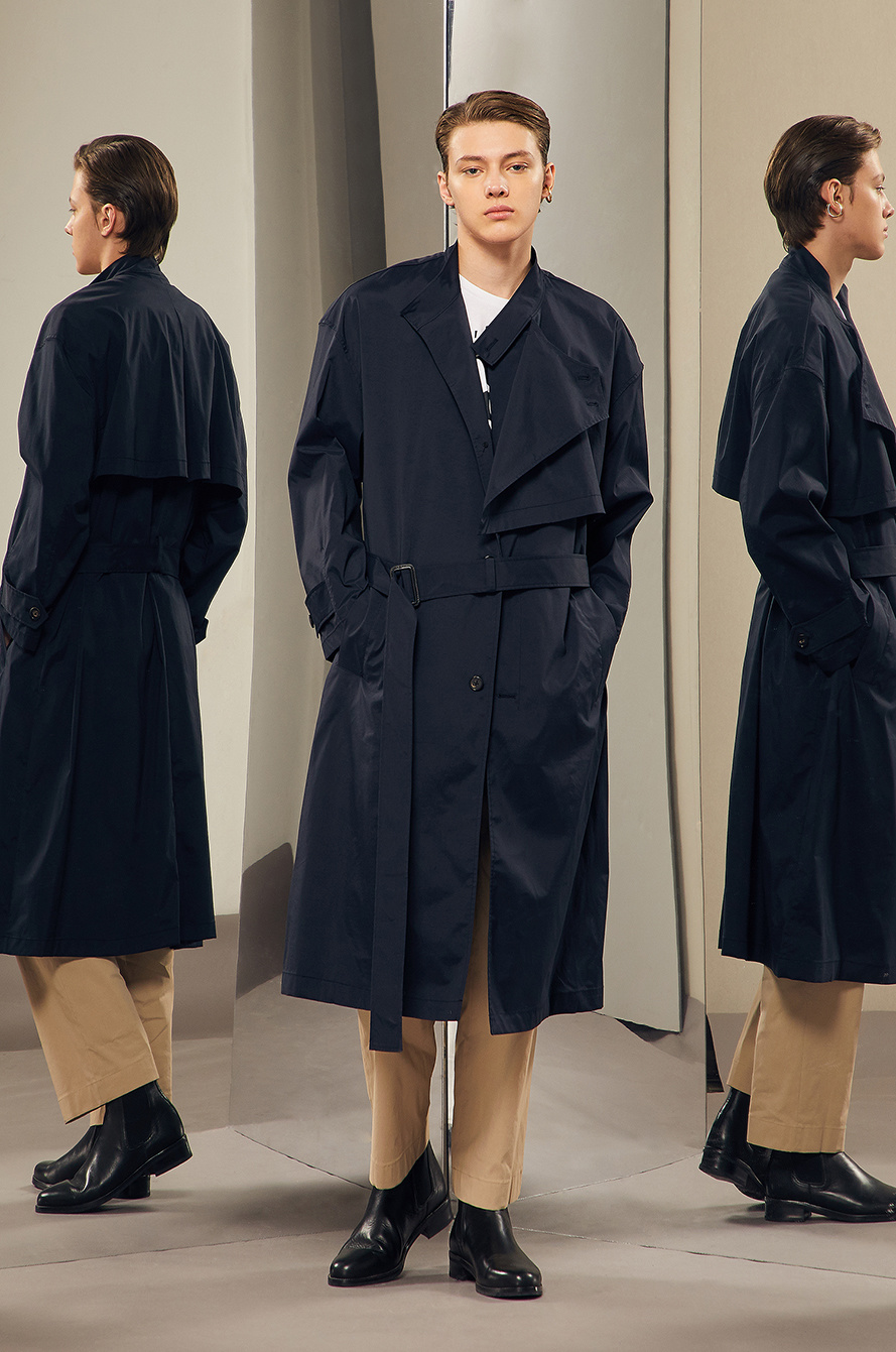 Panel button trench coat