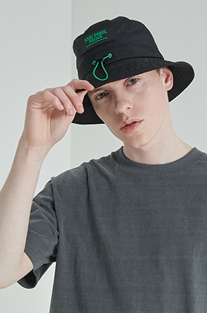Drawstring bucket hat
