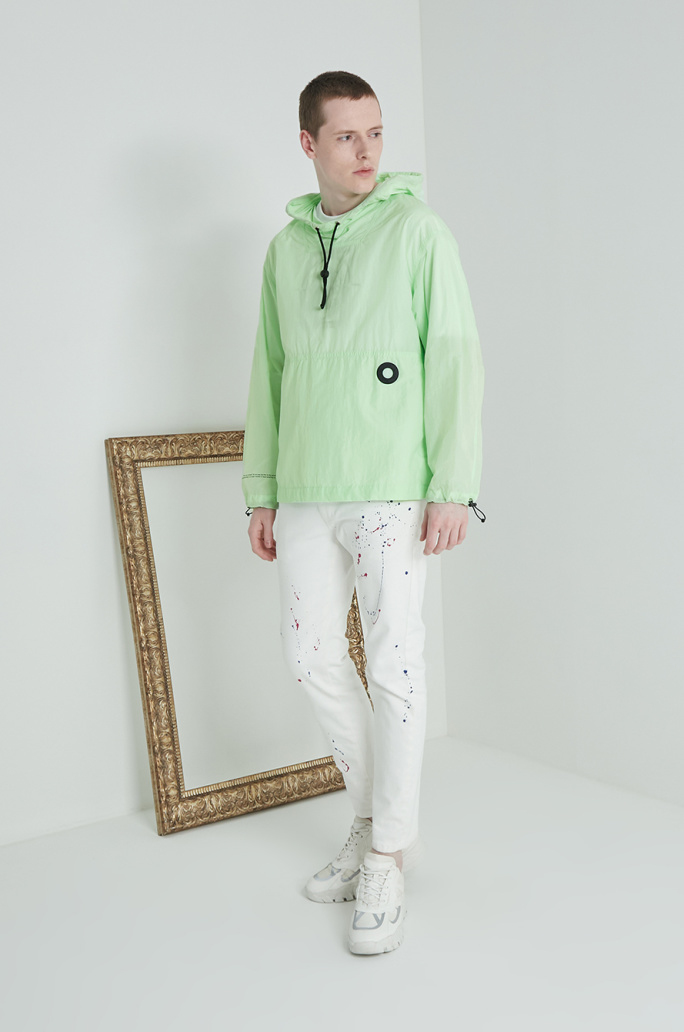 Back pocket hood anorak jumper