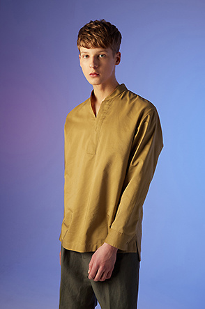 Open stand collar shirt