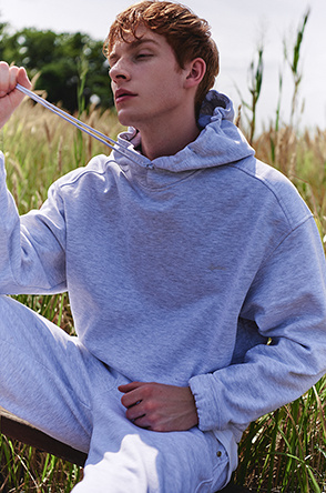 back embroidered hooded T-shirt