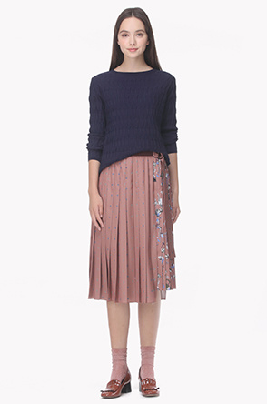 Side paneled belted pleat skirt