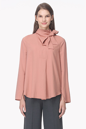 Strap neck pleats blouse