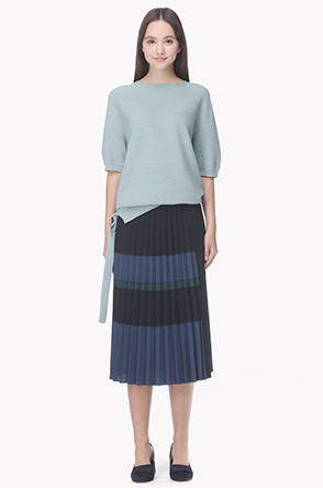 Side paneled color block pleat skirt