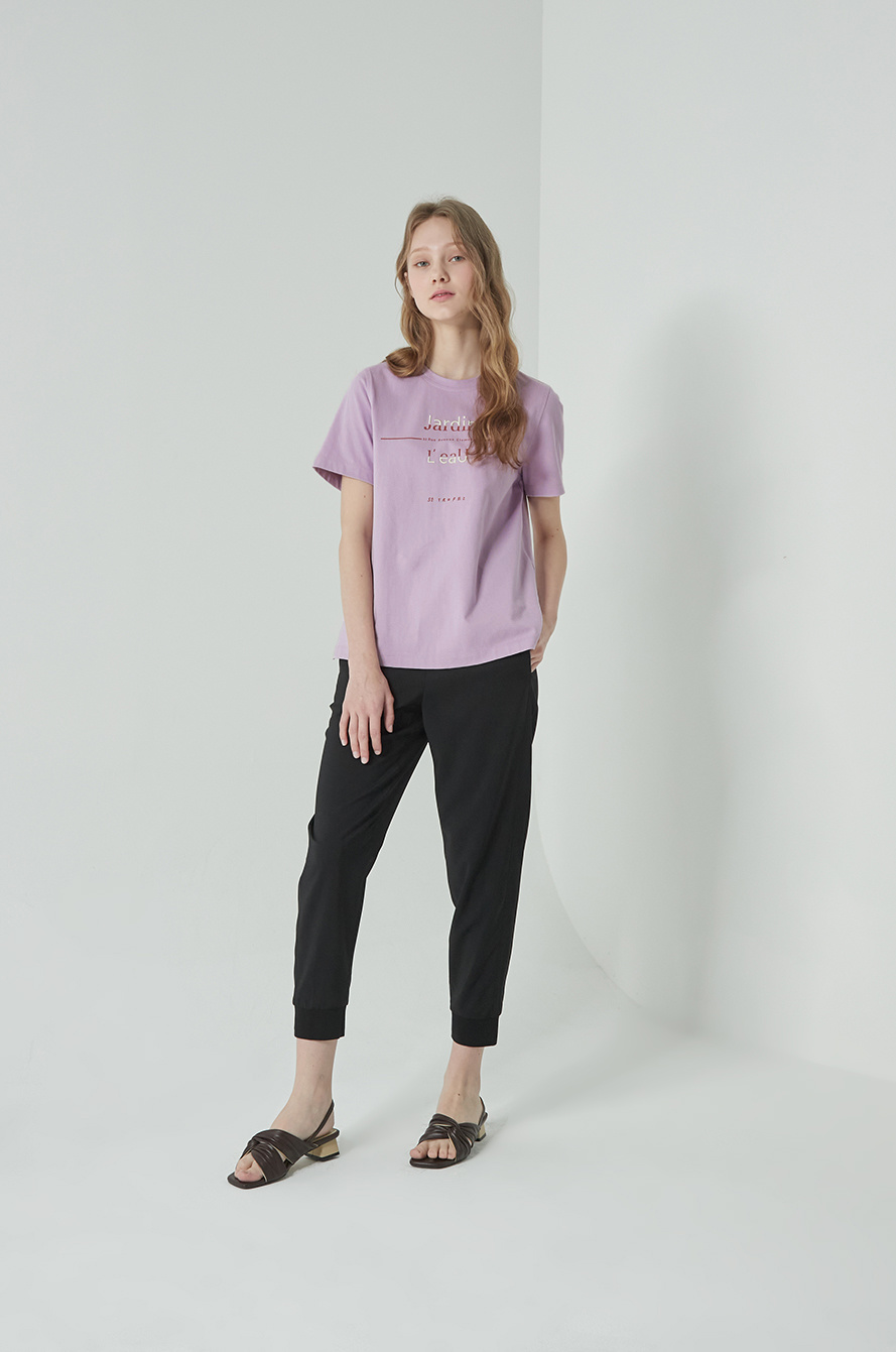 Print embroidered t-shirt