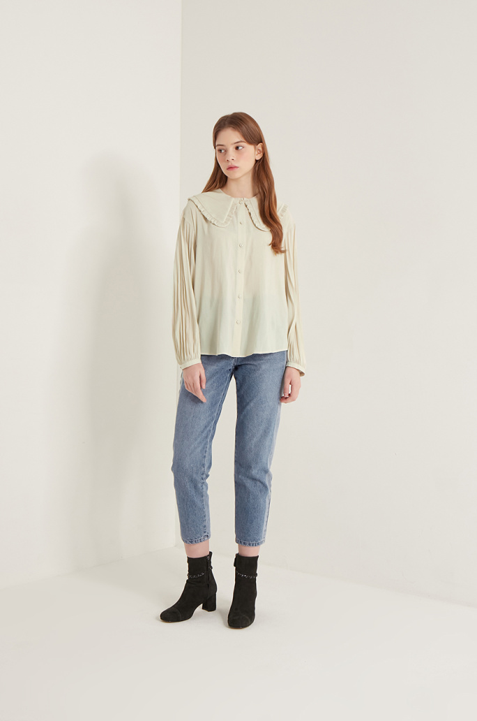 Pleats sleeve blouse