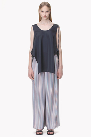Thin pleated wide pants