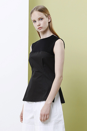 [SYSTEM2] Pleated sleeveless blouse