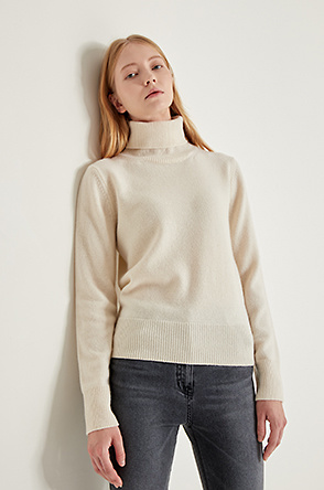 [PARIS] Turtleneck knit sweater